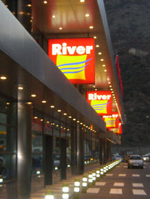 River Shopping Center